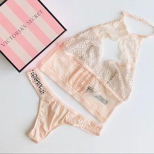 Victoria's Secret cream lingerie set - XS